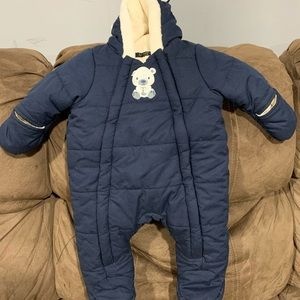 0-3 months never worn snowsuit